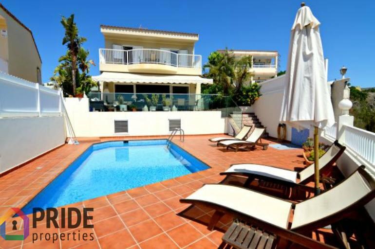 Luxury Villa with Stunning Vistas