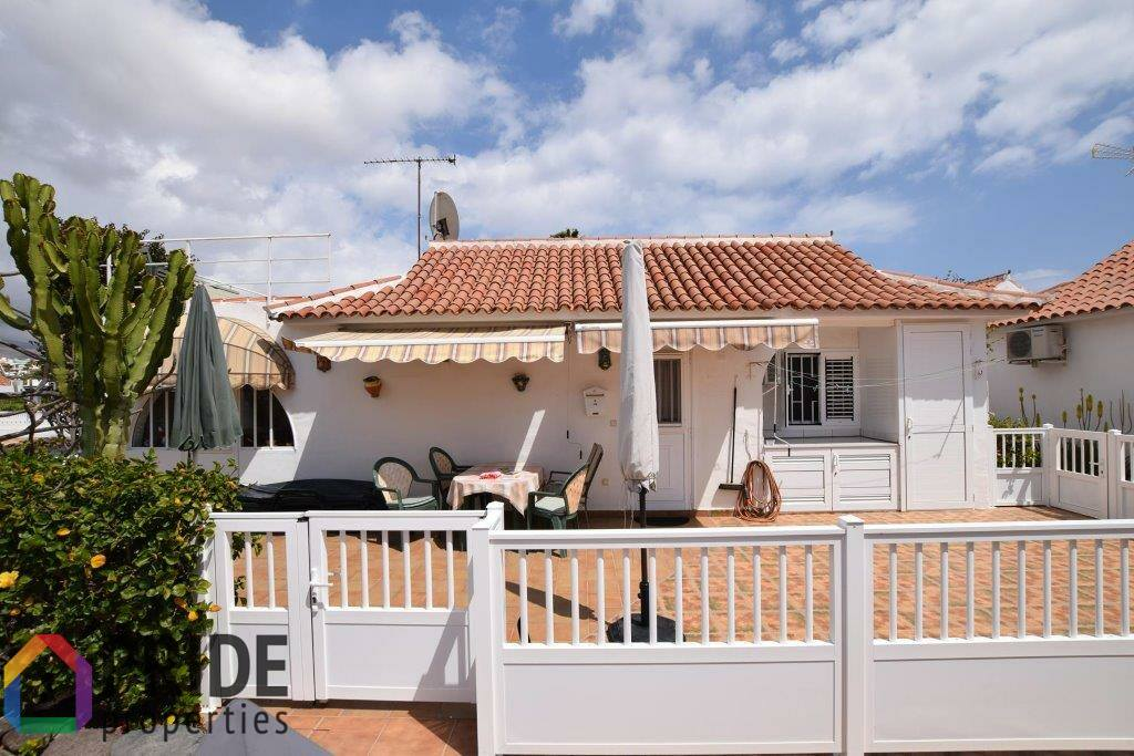 Free standing bungalow with roof terrace