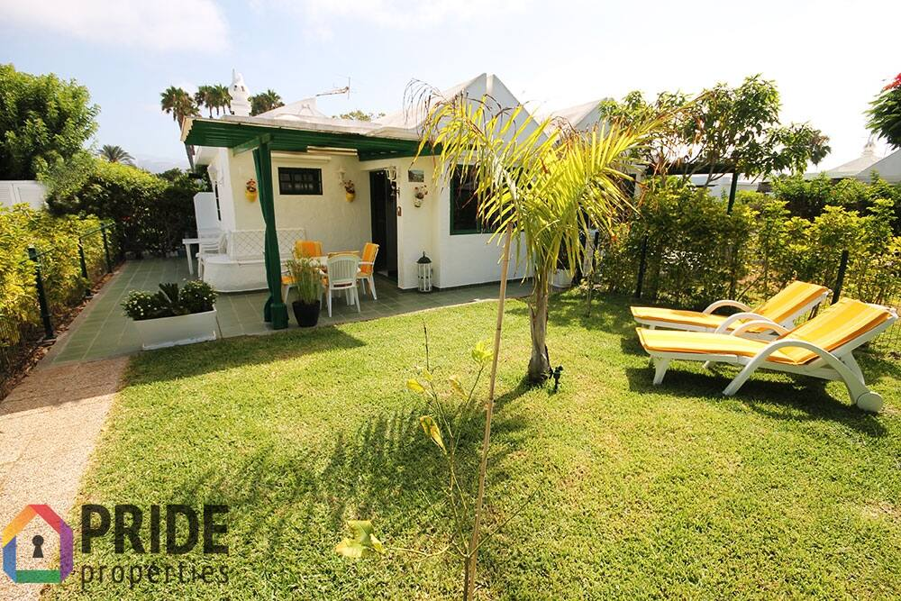 Well-kept bungalow with green garden in a quiet location of Maspalomas!