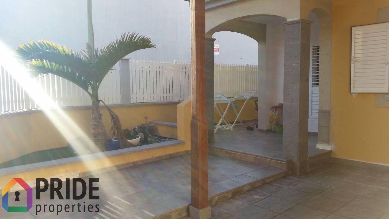 Vecindario, three bedrooms duplex in Los Llanos
