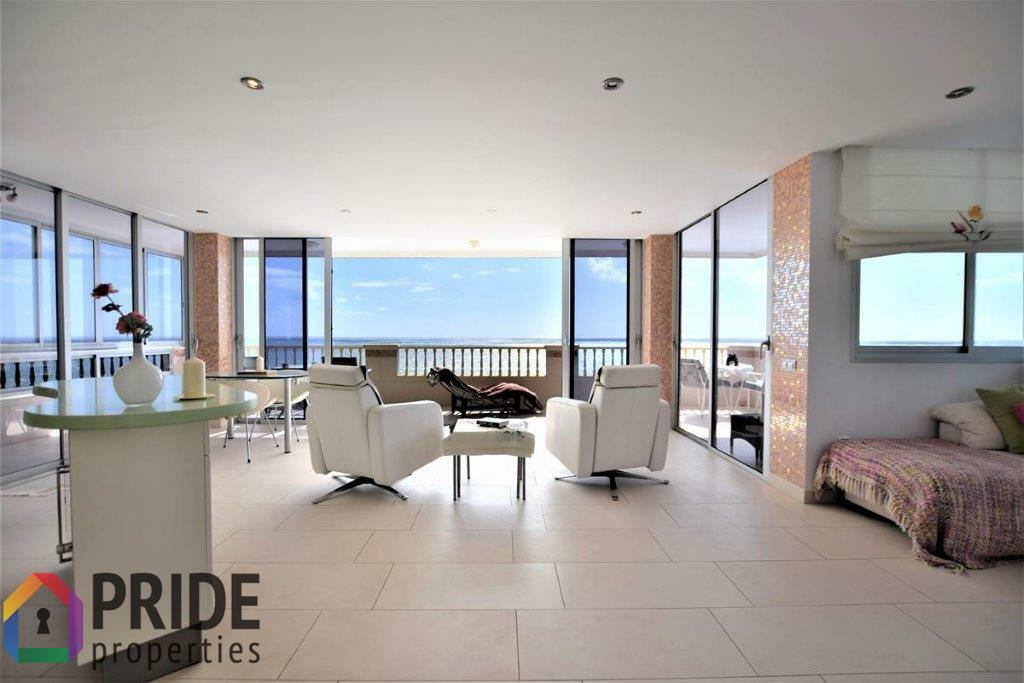 Playa Aguila, 3 bedrooms apartment on the first line of the sea