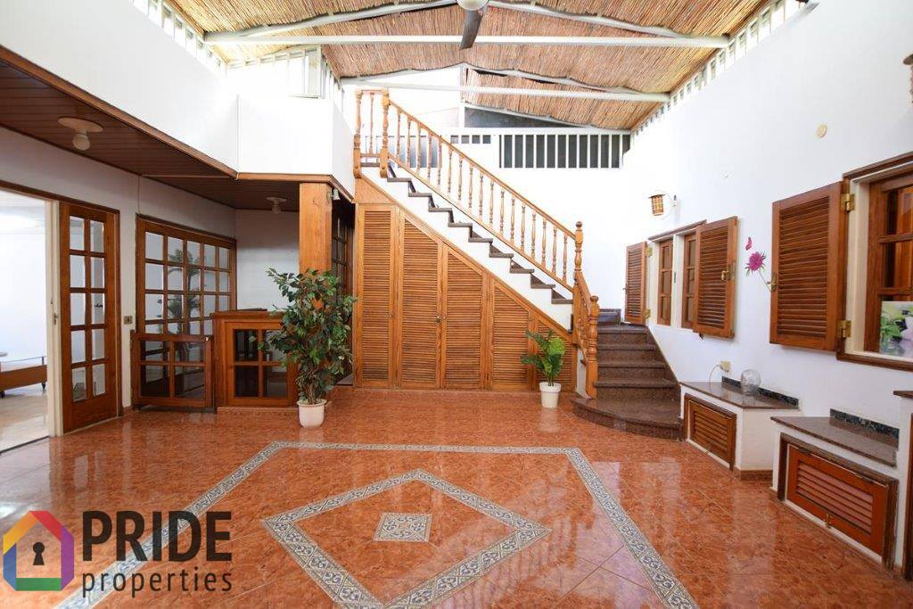 San Fernando, house with large roof terrace