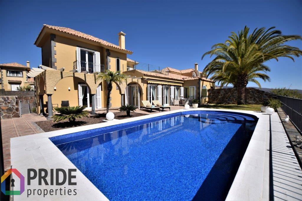 Monte Leon, exclusive villa with fantastic views