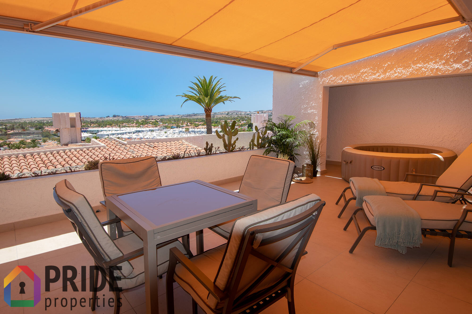 Playa del Ingles, indipendent house with sea views