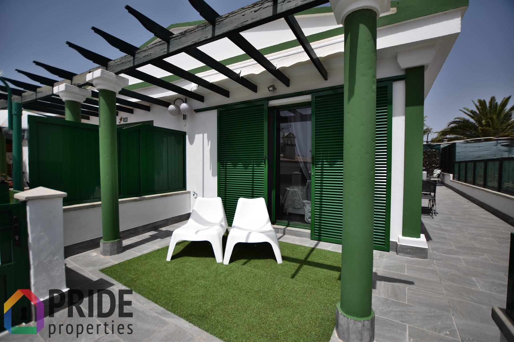 Stylish corner bungalow in Maspalomas