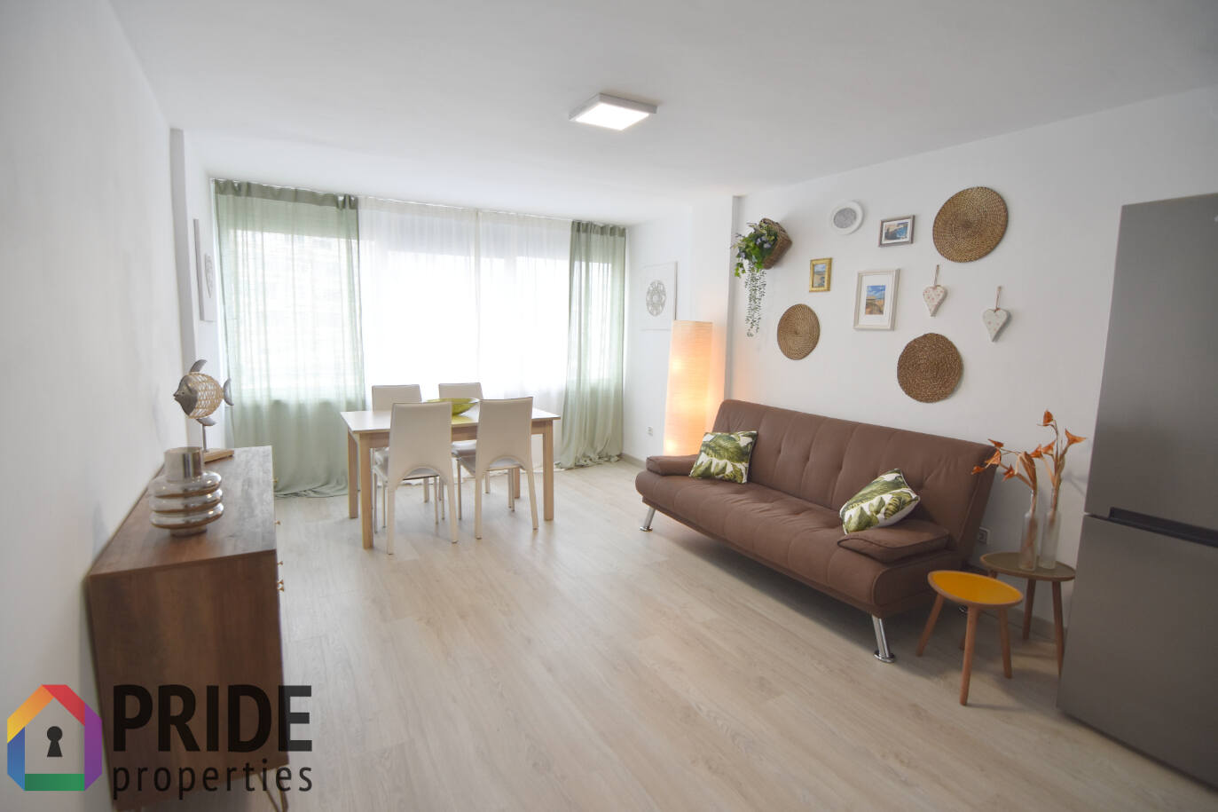 RENOVATED 1 BEDROOM APARTMENT